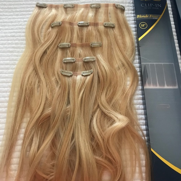 "18"" Ultra Seamless Clip-In Blonde Hair Extensions"